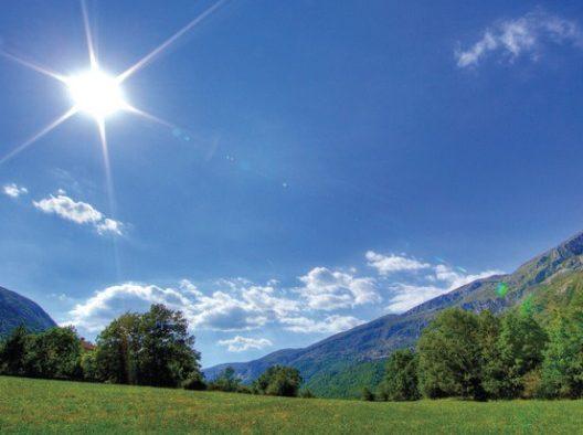 طقس الإثنين.. إنخفاض درحات الحرارة بمعظم مناطق المغرب