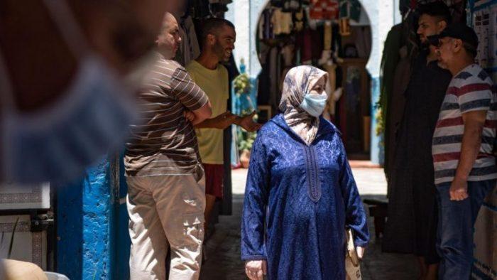 وزارة الصحة تحذر المغاربة من التراخي في الالتزام بالتدابير الاحترازية