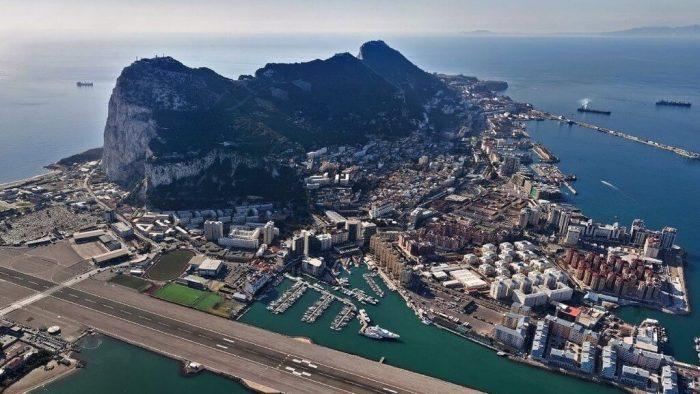 المغرب يصفع إسبانيا.. رحلة بحرية تجريبية بين جبل طارق و ميناء طنجة