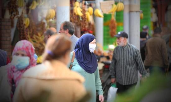 دراسة : ثلث العائلات المغربية غارقة في الديون!!