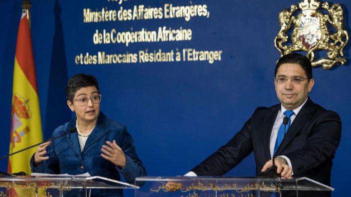 وزيرة الخارجية الإسبانية تصب الزيت في النار!!